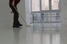 Грунтовка для бетонного пола: выбор по составу и технологии нанесения